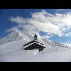 Chiesetta Alpina vicina al Dosso Alto mt. 1660