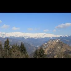 Monte Maniva mt. 1854 e il paese di Bovegno visto dalla località Campedei